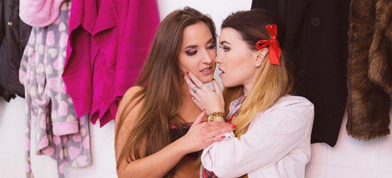 lesbian scissoring vr porn